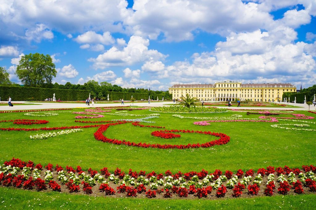 Top Ten Things to Do in Vienna: schonbrunn palace gardens