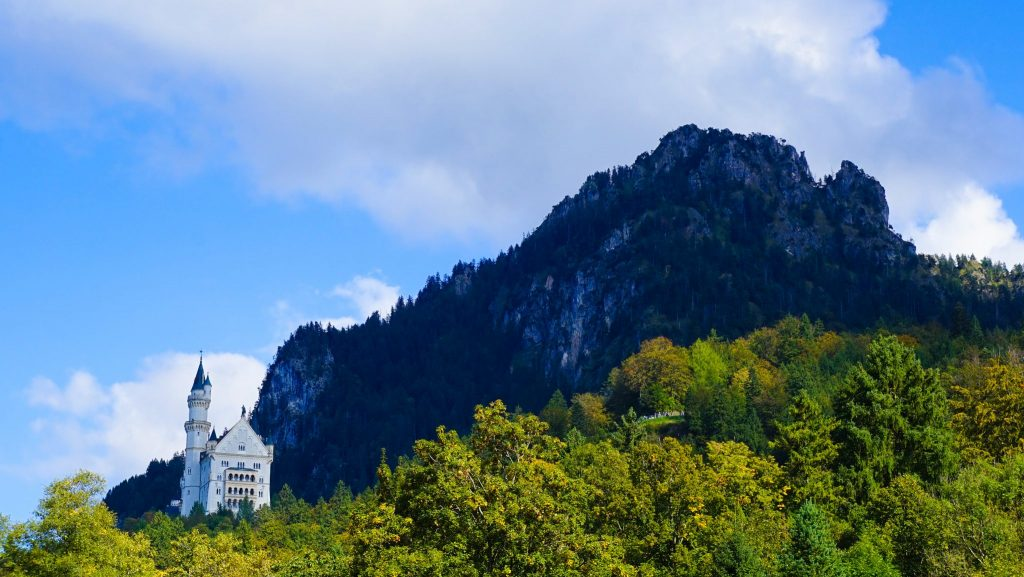 Guide To A Easy Day Trip To Neuschwanstein Castle from Munich!